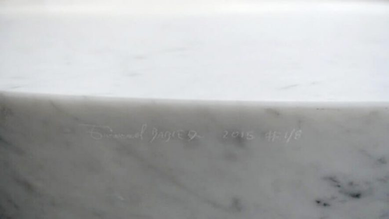 Librastone - Marble Carrara - Signature
