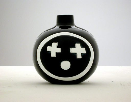 Happy Few vase
